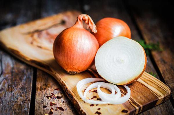 Que frutas y verduras comer en octubre calendario de temporada cebolla