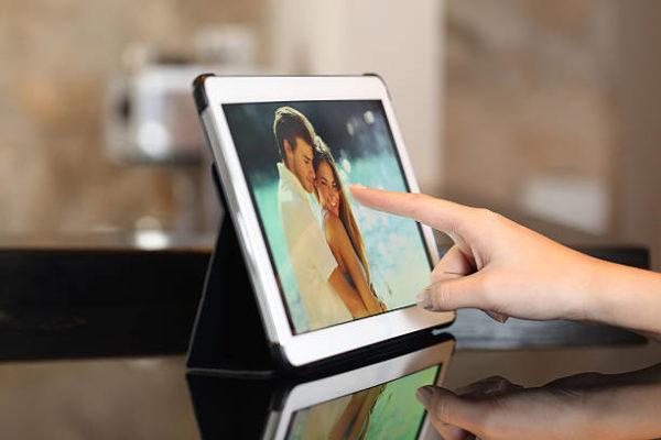 Las mejores formas e ideas para reciclar nuestros moviles y tablets marco fotos digital