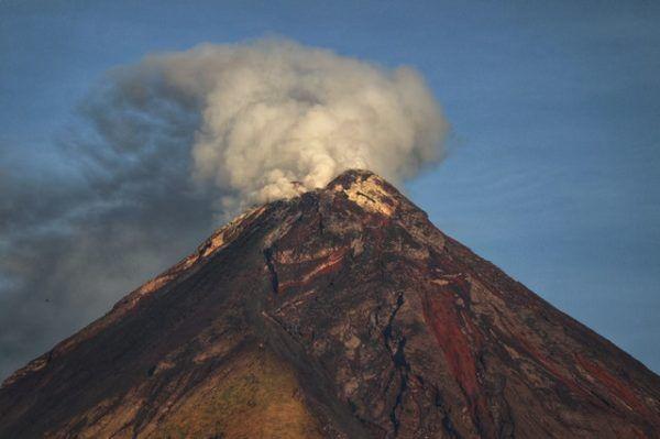 Cómo contribuyen los volcanes al cambio climático activo